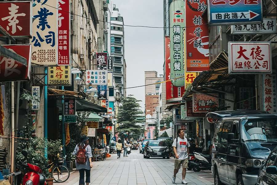 Connecting Authentically with Multilingual Audiences