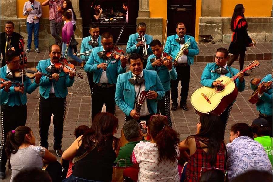 Valentine's Day in Mexico, Mariachi